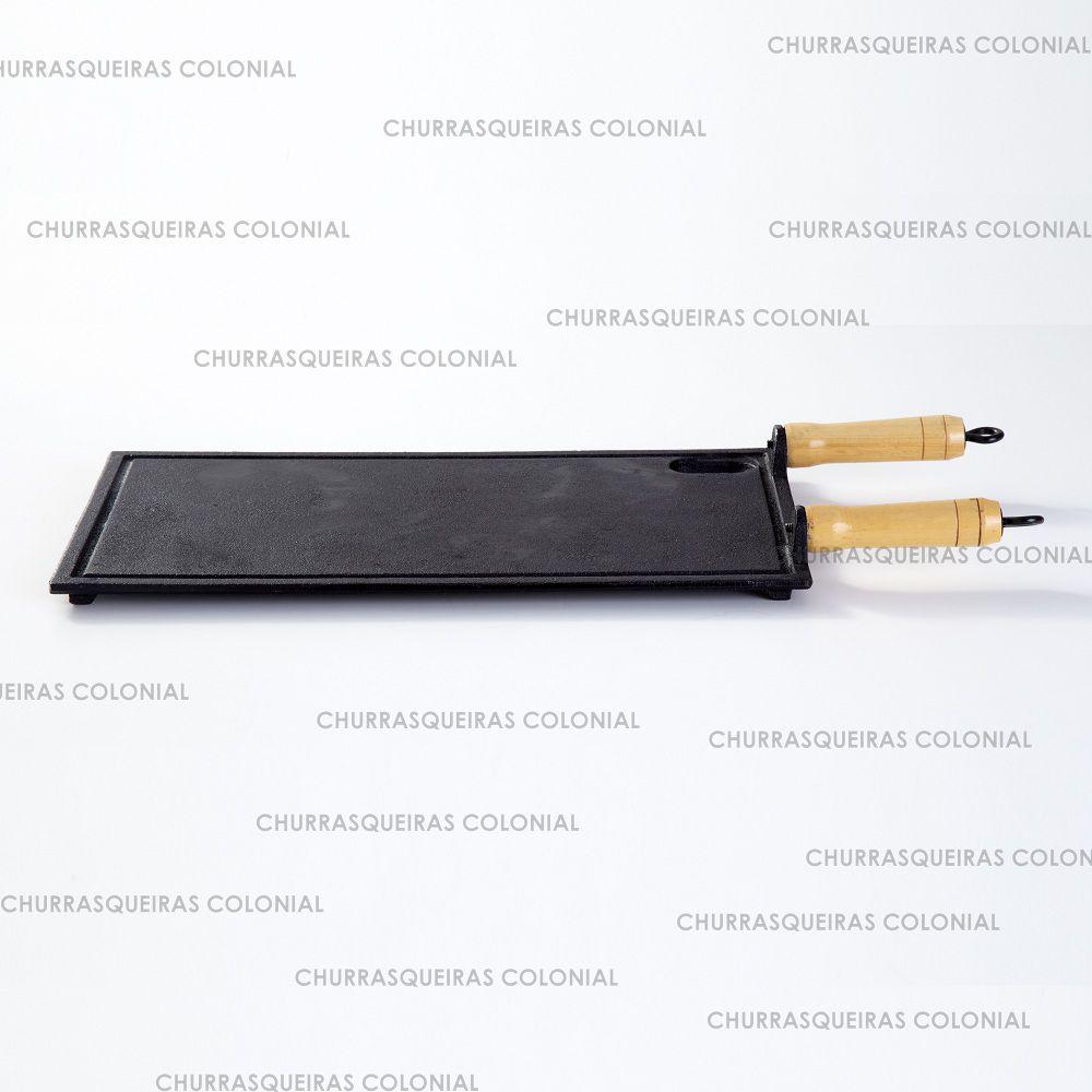 Chapa Bifeteira Lisa de Ferro Fundido 25 x 45 cm com cabos de madeira