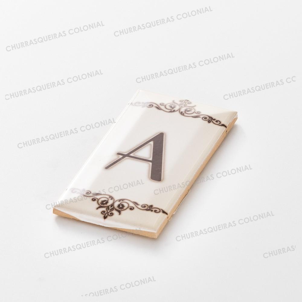 """Número para Residência Letra """"A"""" Cerâmica Esmaltada Marrom 7,5 x 15 cm"""