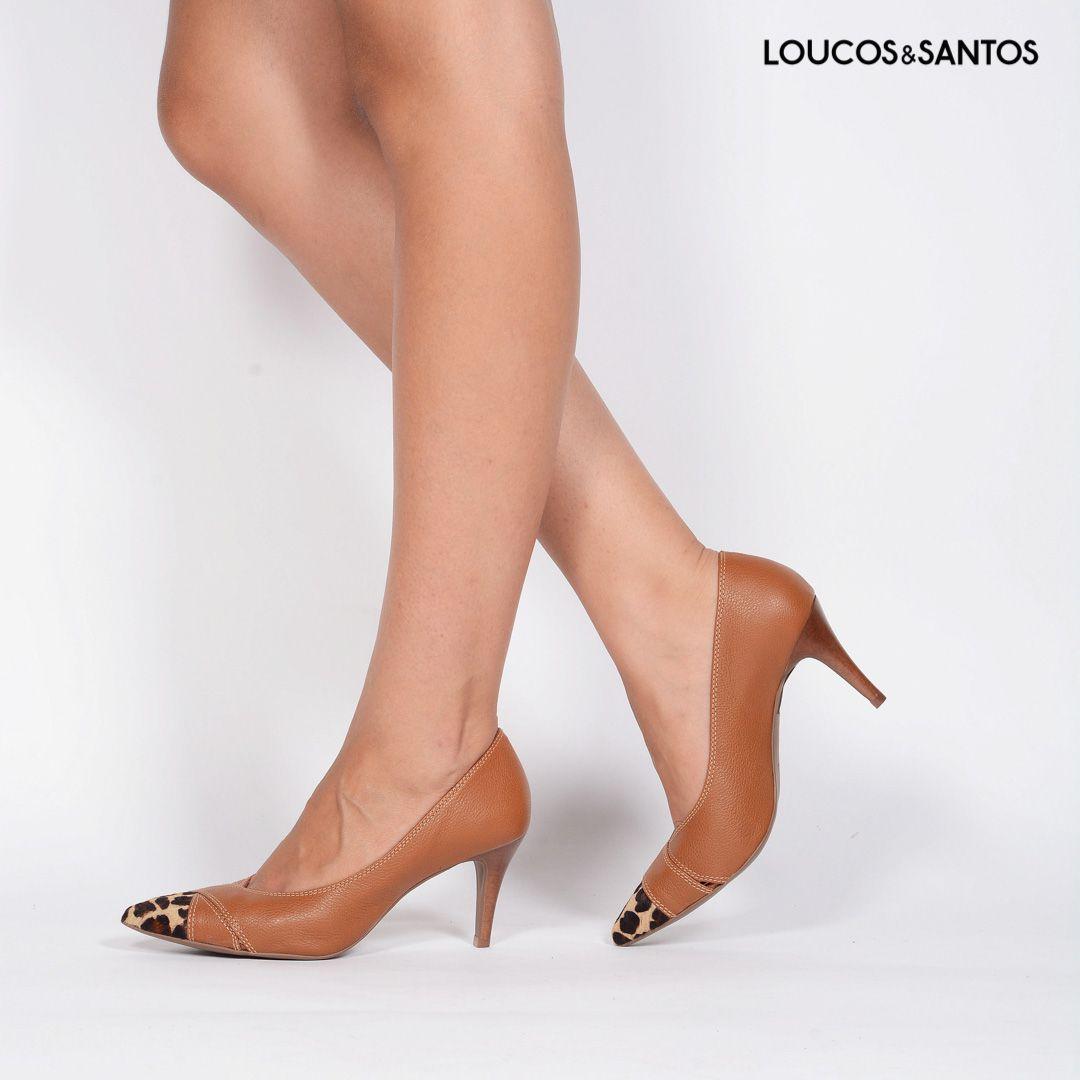 Scarpin Castanho Loucos e Santos