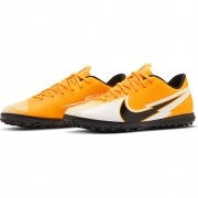 Chuteira Masculina Nike Mercurial Vapor Club REF: AT7999-801