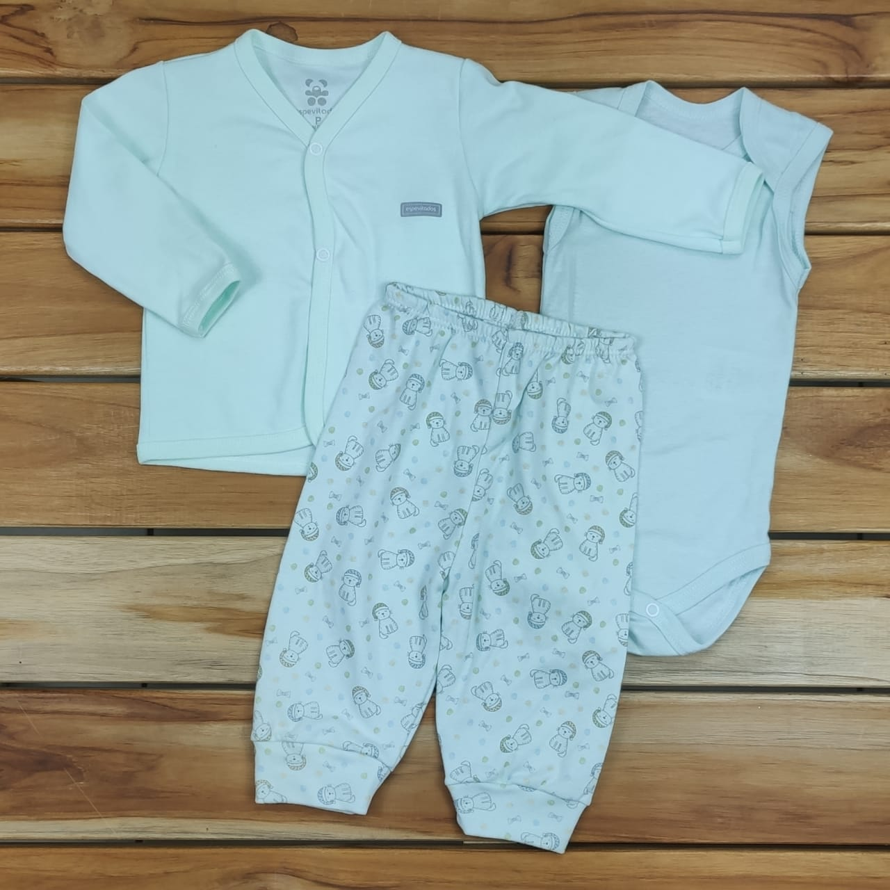 Conjunto Bebê Verde Casaco Body e Calça