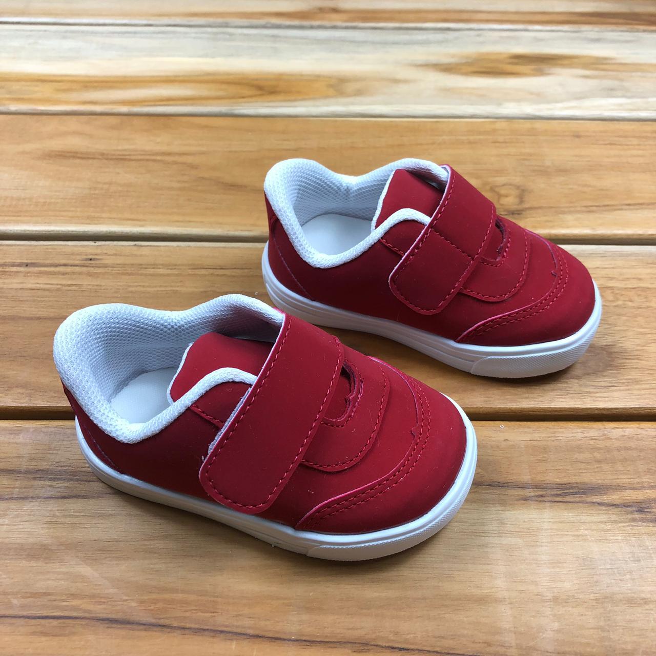 Tênis Vermelho com Velcro