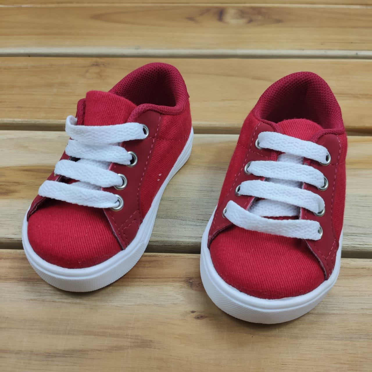 Tênis Vermelho com Branco