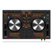 Controladora DJ Behringer CMD Studio 4A