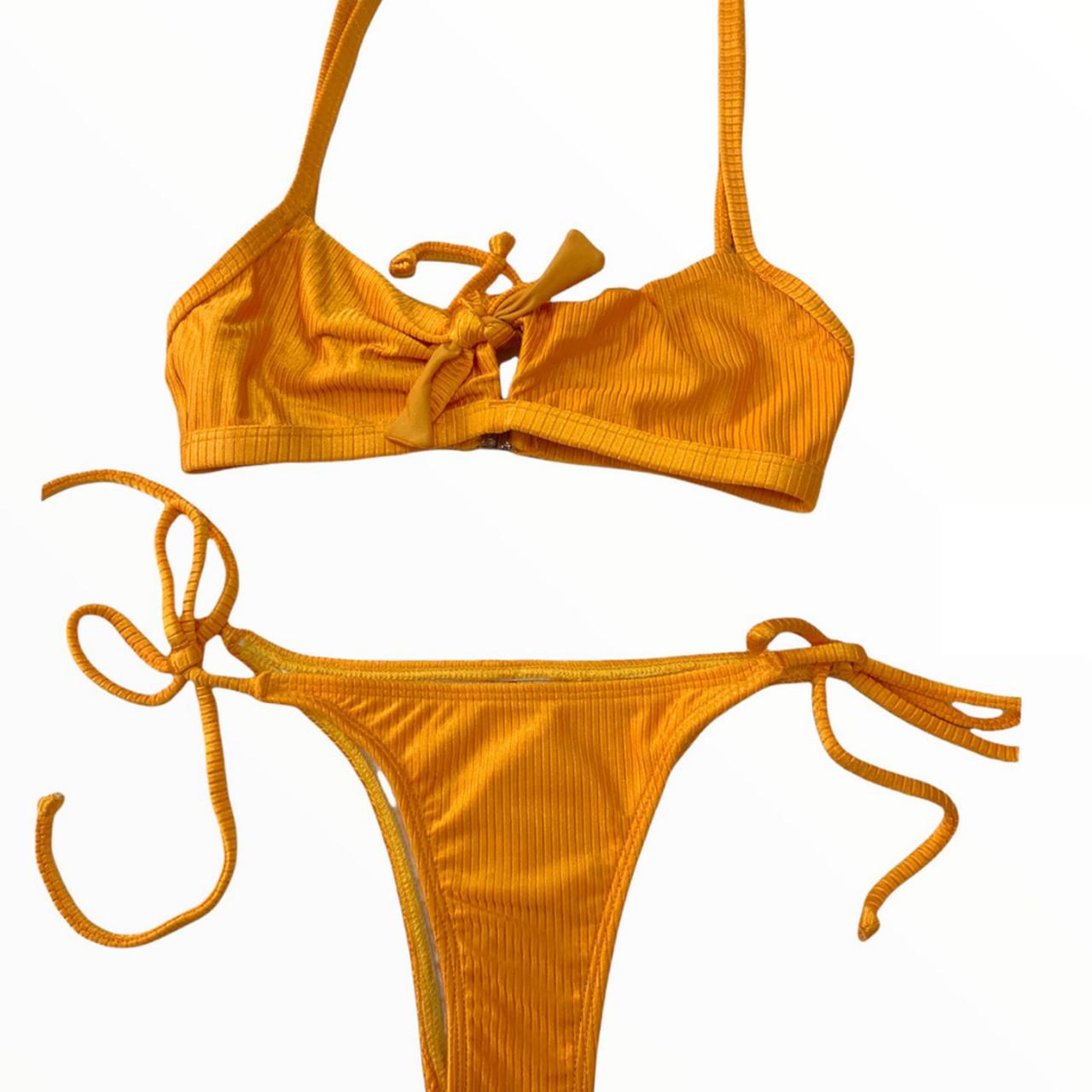 Biquini amarradinho com top fixo amarelo ouro