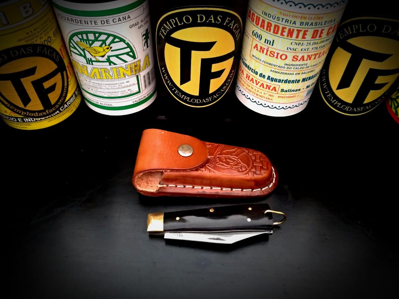 Canivete artesanal esportivo em aço inox e cabo em chifre negro