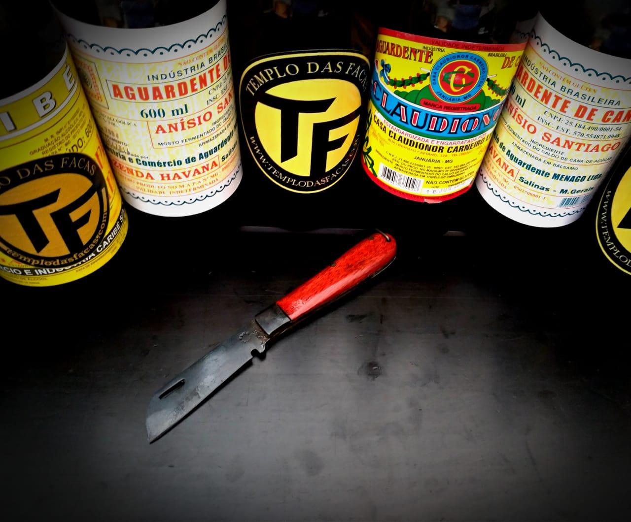 Canivete artesanal  pica fumo em aço carbono e cabo Pau Conduru de Sangue