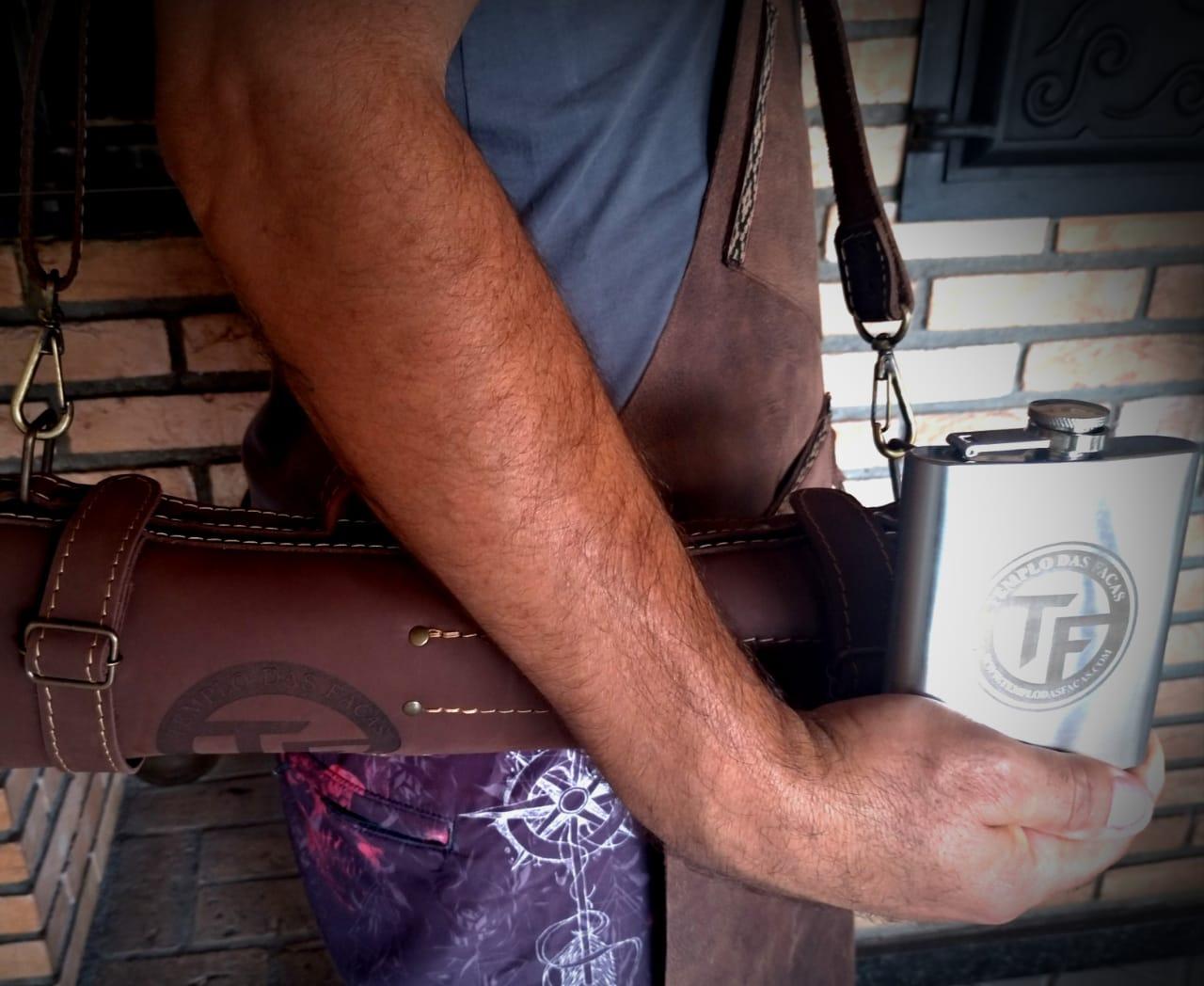 Estojo artesanal em couro