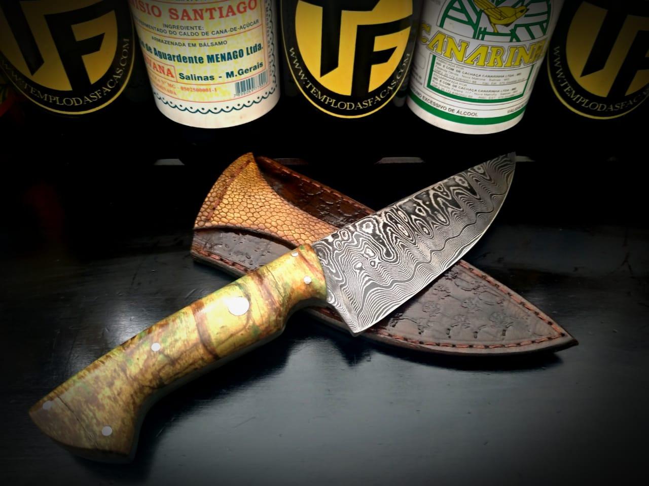 Faca artesanal de caça forjada em aço de damasco padrão aleatório modificado 6 polegadas