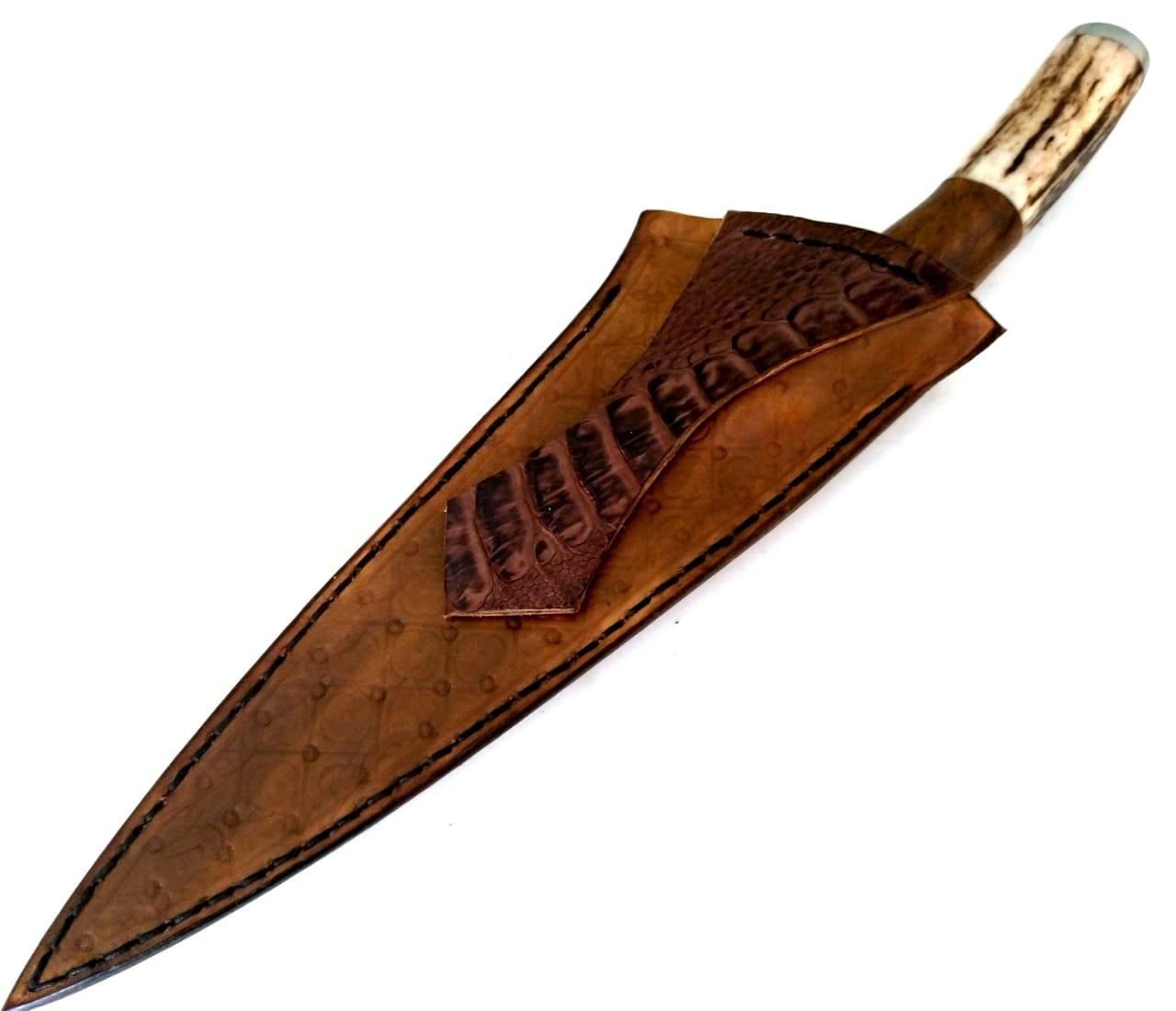 Faca artesanal de tesoura antiga