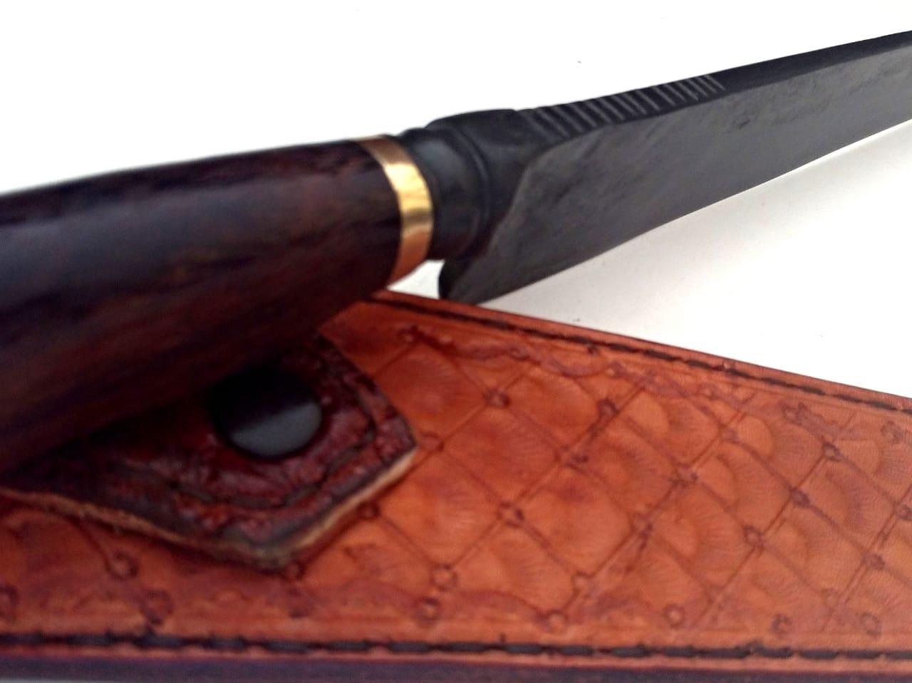 Faca artesanal forjada carandawood 10 polegadas