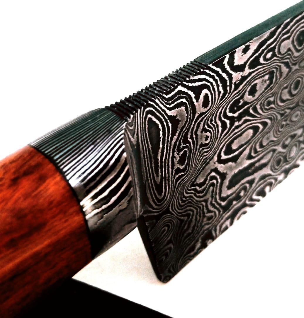 Faca artesanal forjada em aço de damasco campeira pau ferro