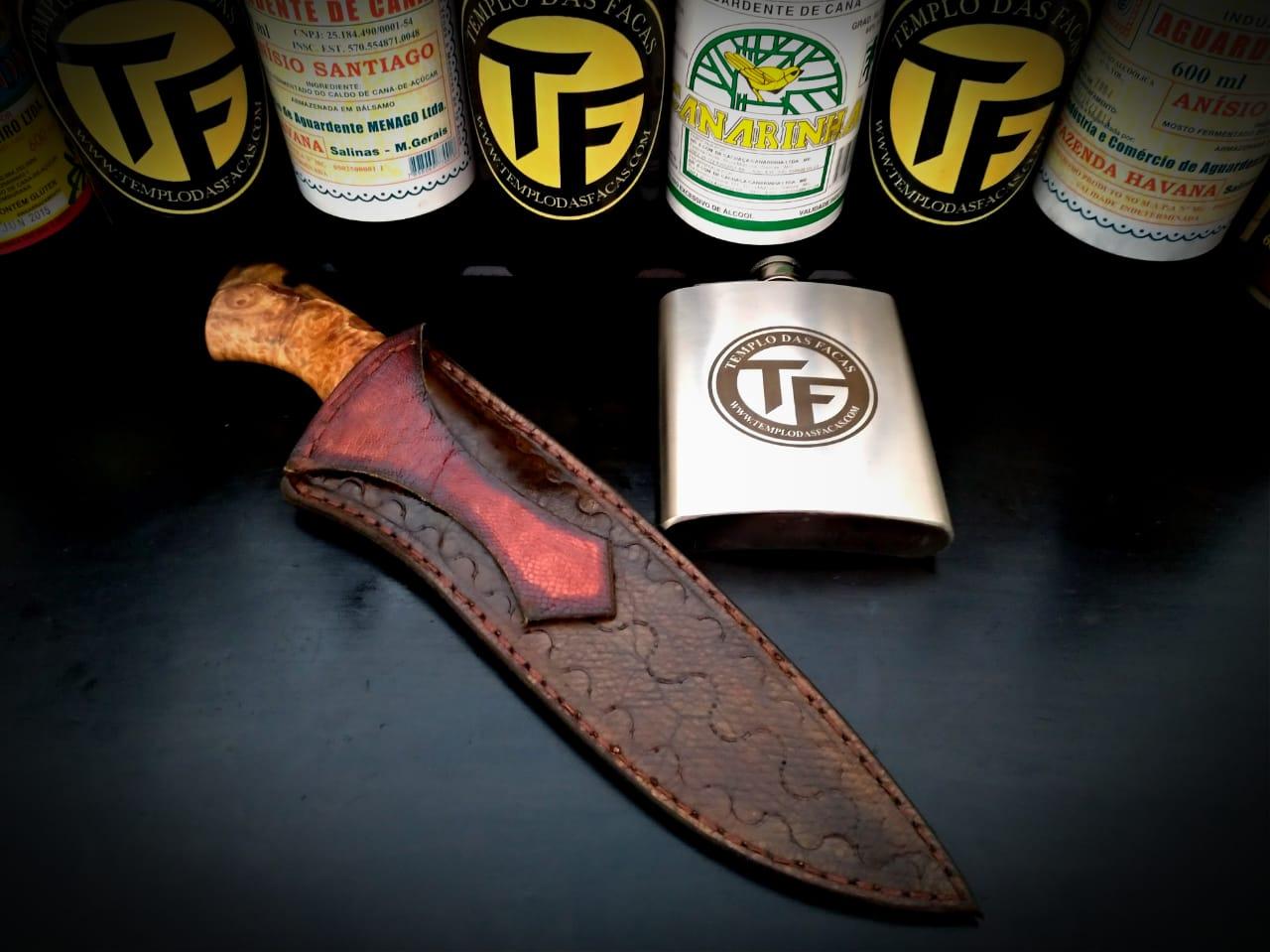 Faca artesanal forjada em aço de damasco padrão aleatório modificado 7 polegadas