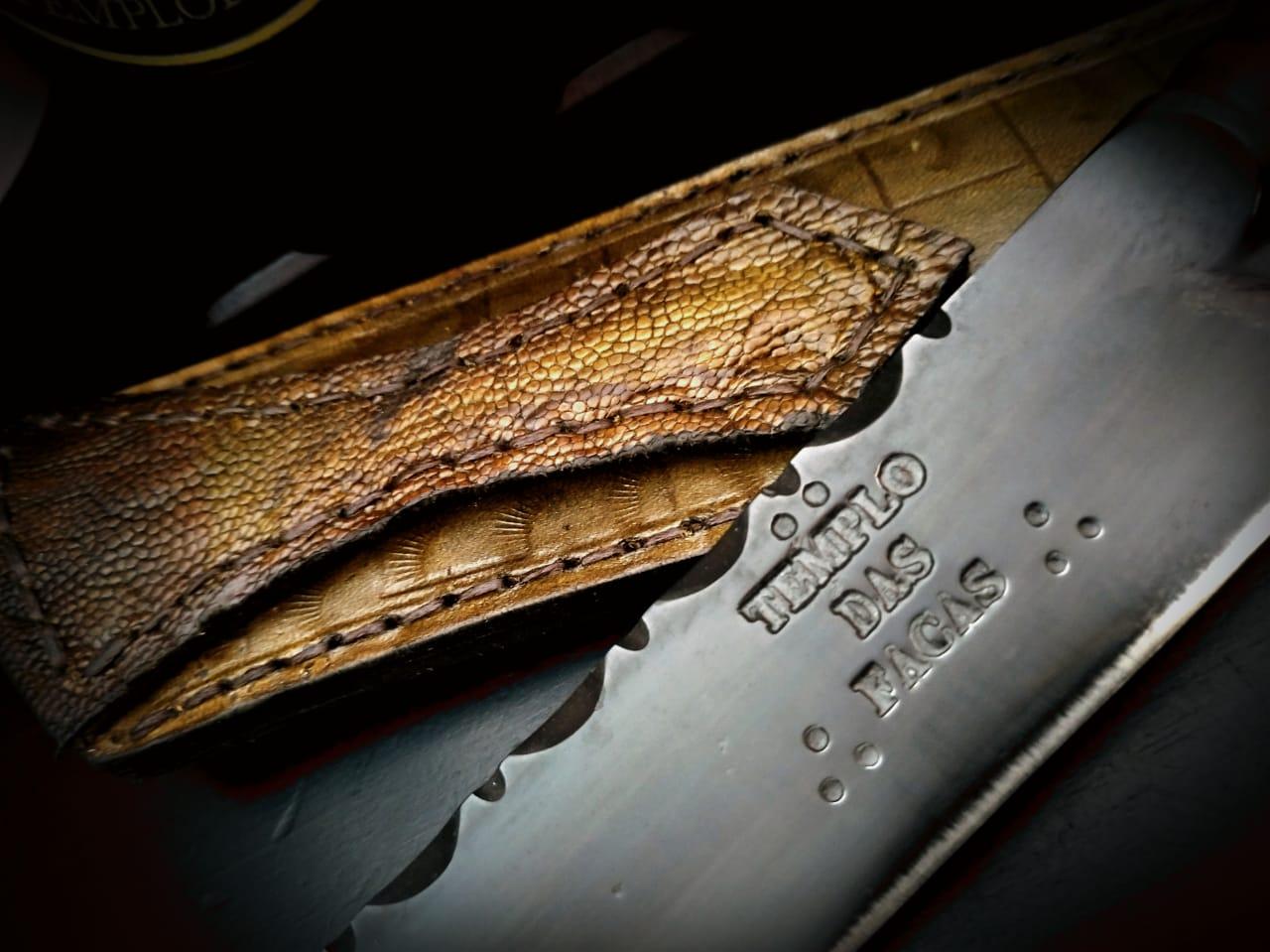 Faca artesanal forjada negra aço carbono cabo cervo axis 10 polegadas