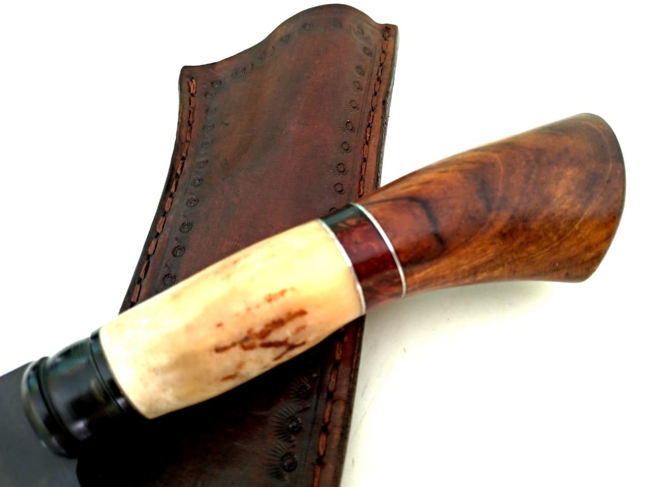 Faca artesanal forjada de grosa cabo jacarandá e cervo 12 polegadas