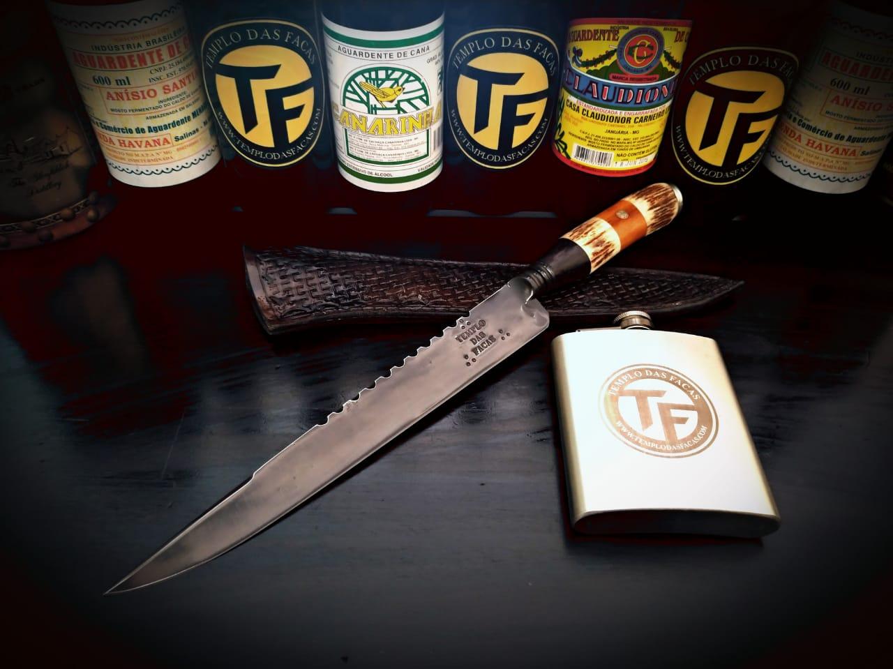 Faca artesanal forjada cabo jacarandá e cervo templo das facas 10 polegadas