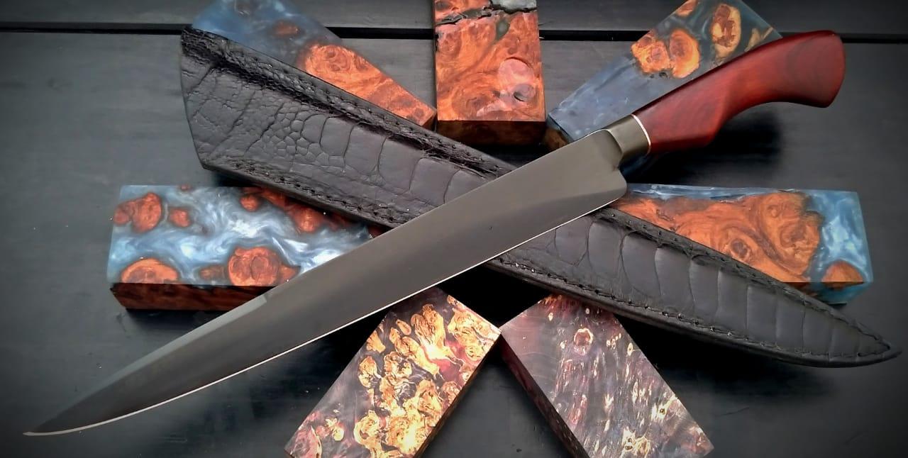 Faca forjada negra em aço carbono 11 polegadas
