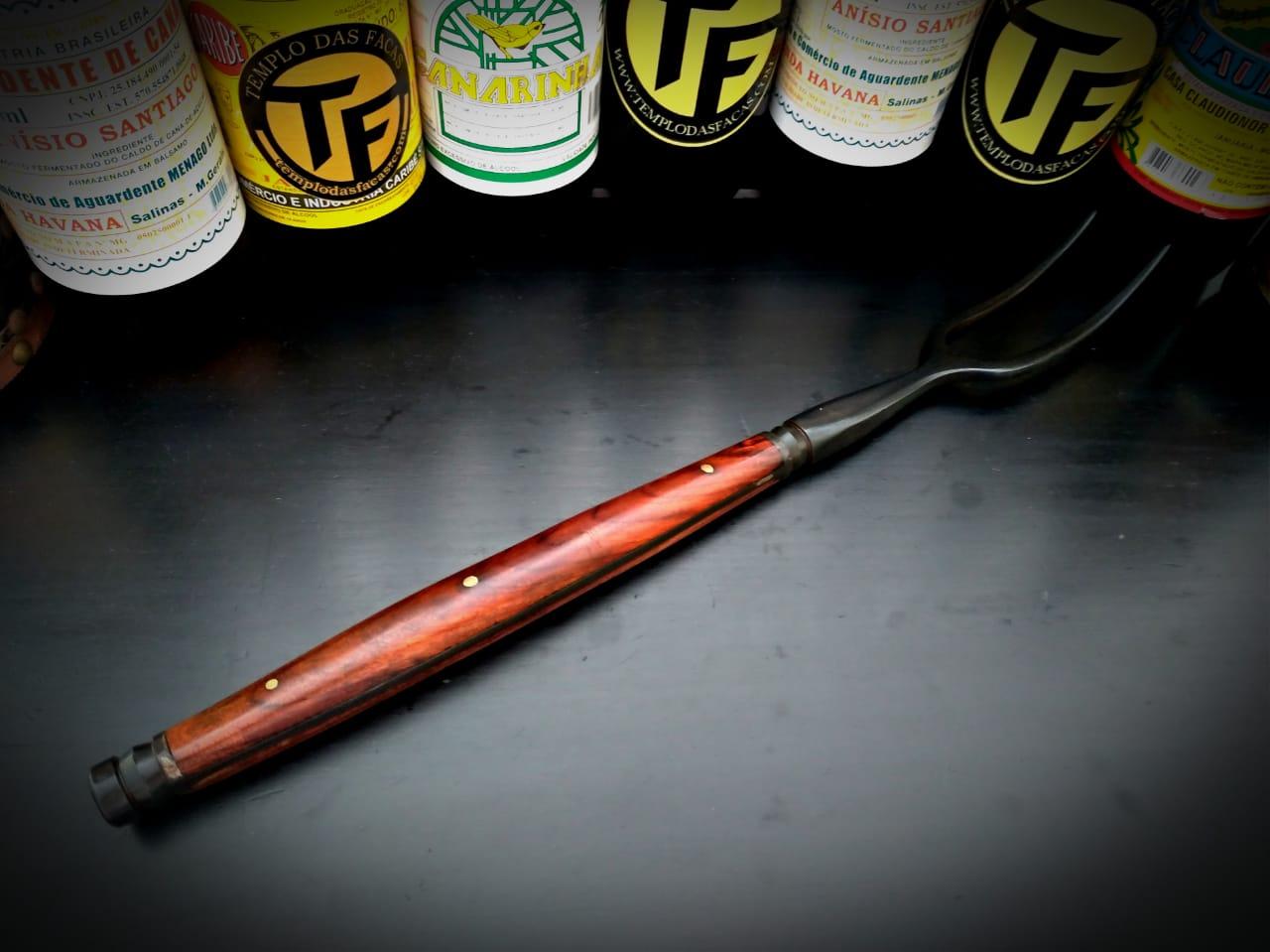 Garfo forjado em aço artesanal costela de ouro  17 polegadas