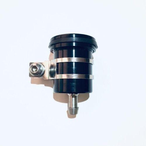 Reservatório de fluído de freio sem visor saída por baixo Preto