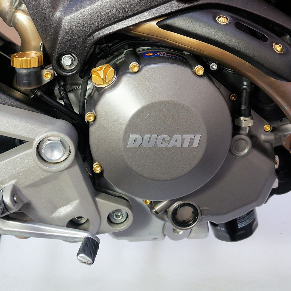 Parafusos da tampa do motor Yamaha R1 BigBang 09+ Dourado