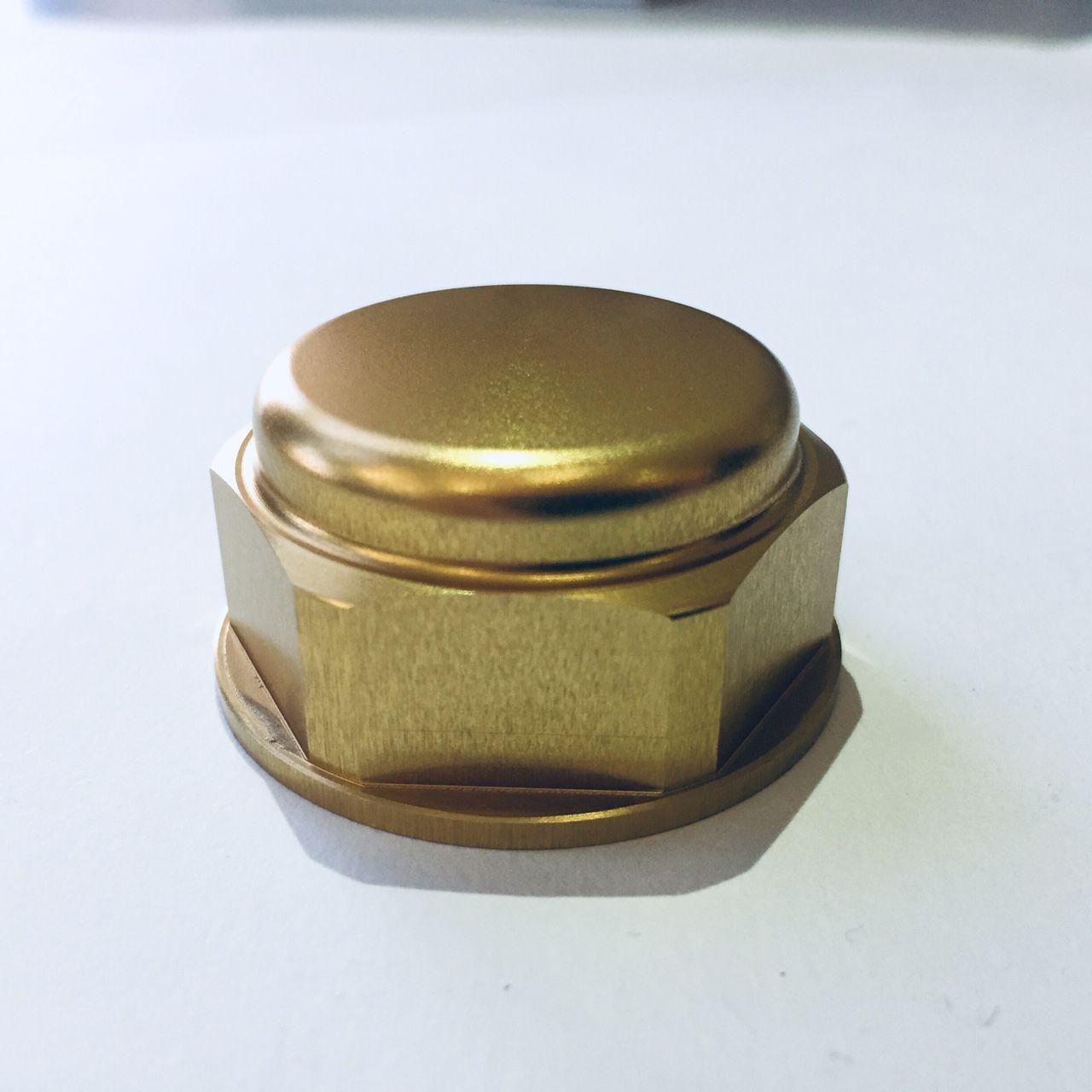 Porca central da mesa 22mm x 1.00mm Fechada Dourado