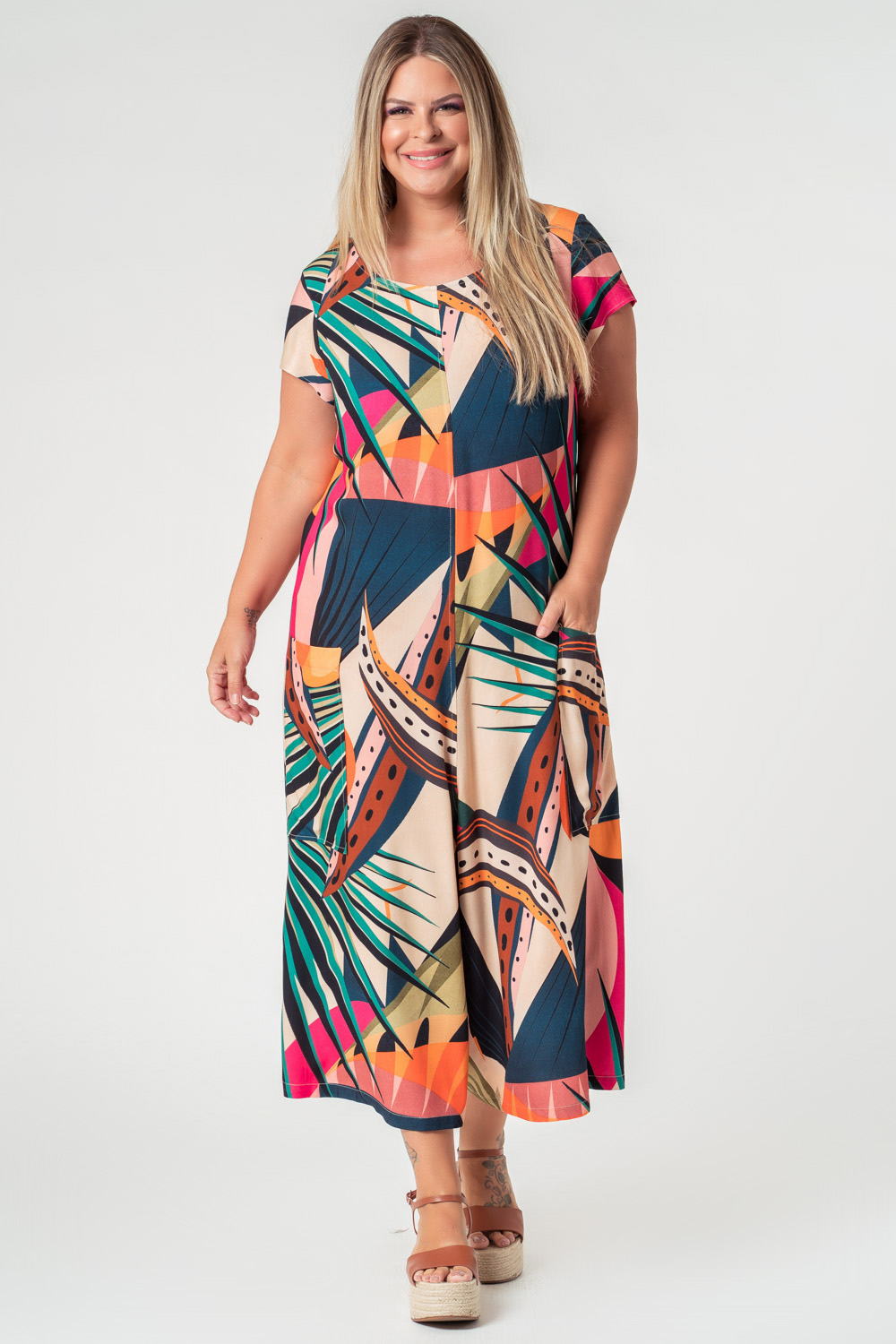 MACACÃO ESTAMPADO PLUS SIZE TROPICALIENTE OFF WHITE