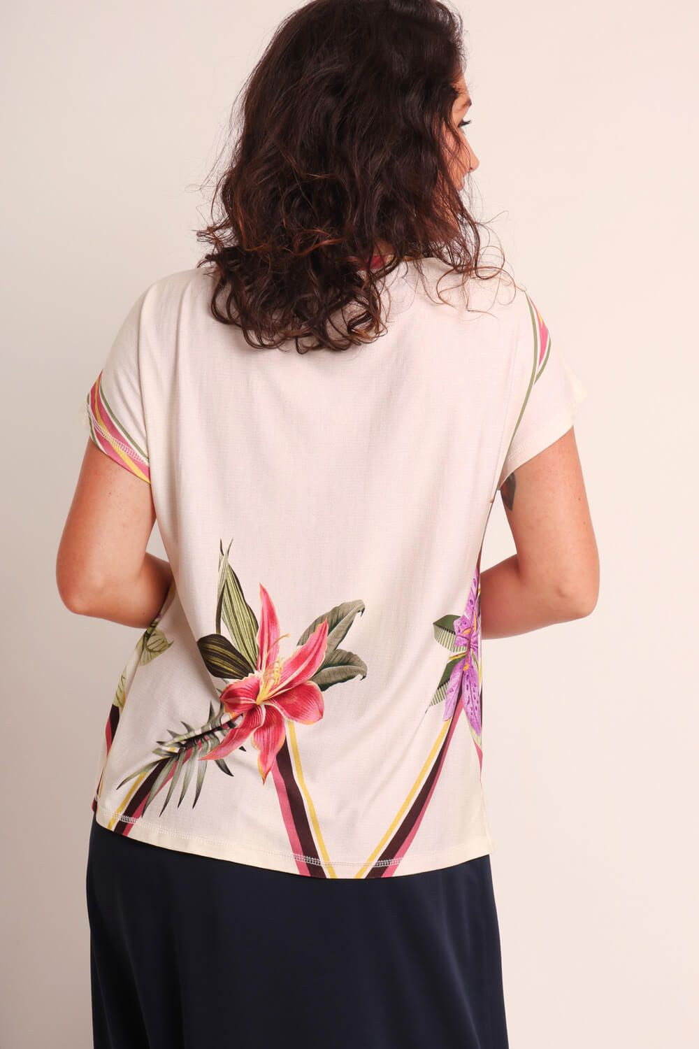 BLUSA ESTAMPADA ORQUIDÁRIO OFF WHITE