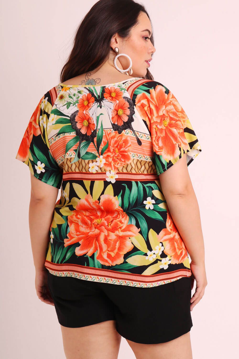 BLUSA PLUS SIZE ESTAMPADA BORBOCHITA OFF WHITE