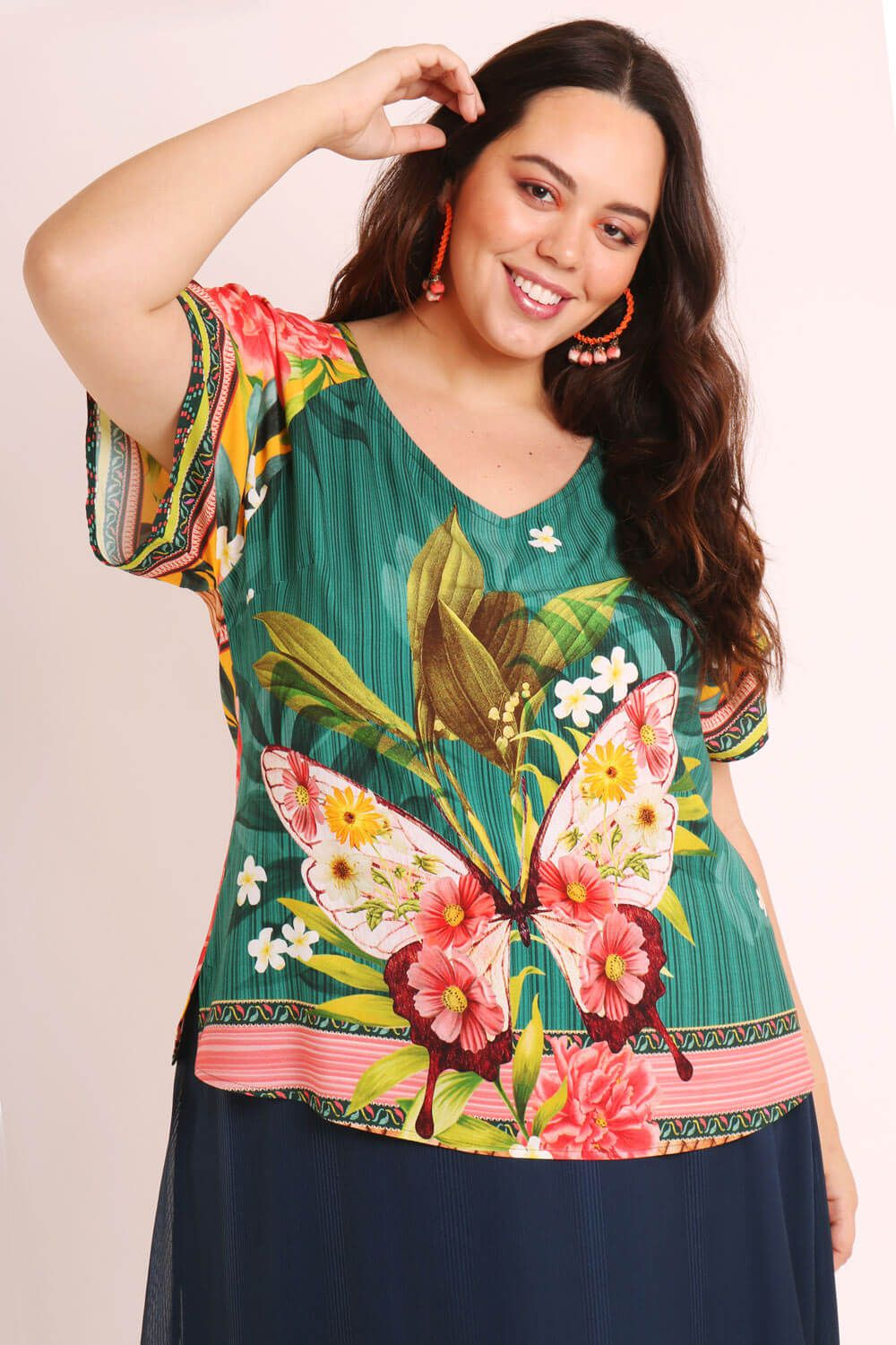 BLUSA PLUS SIZE ESTAMPADA BORBOCHITA VERDE