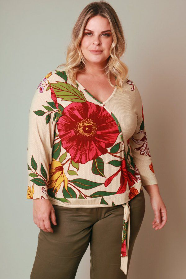 BLUSA PLUS SIZE ESTAMPADA BUQUÊ VINTAGE OFF WHITE