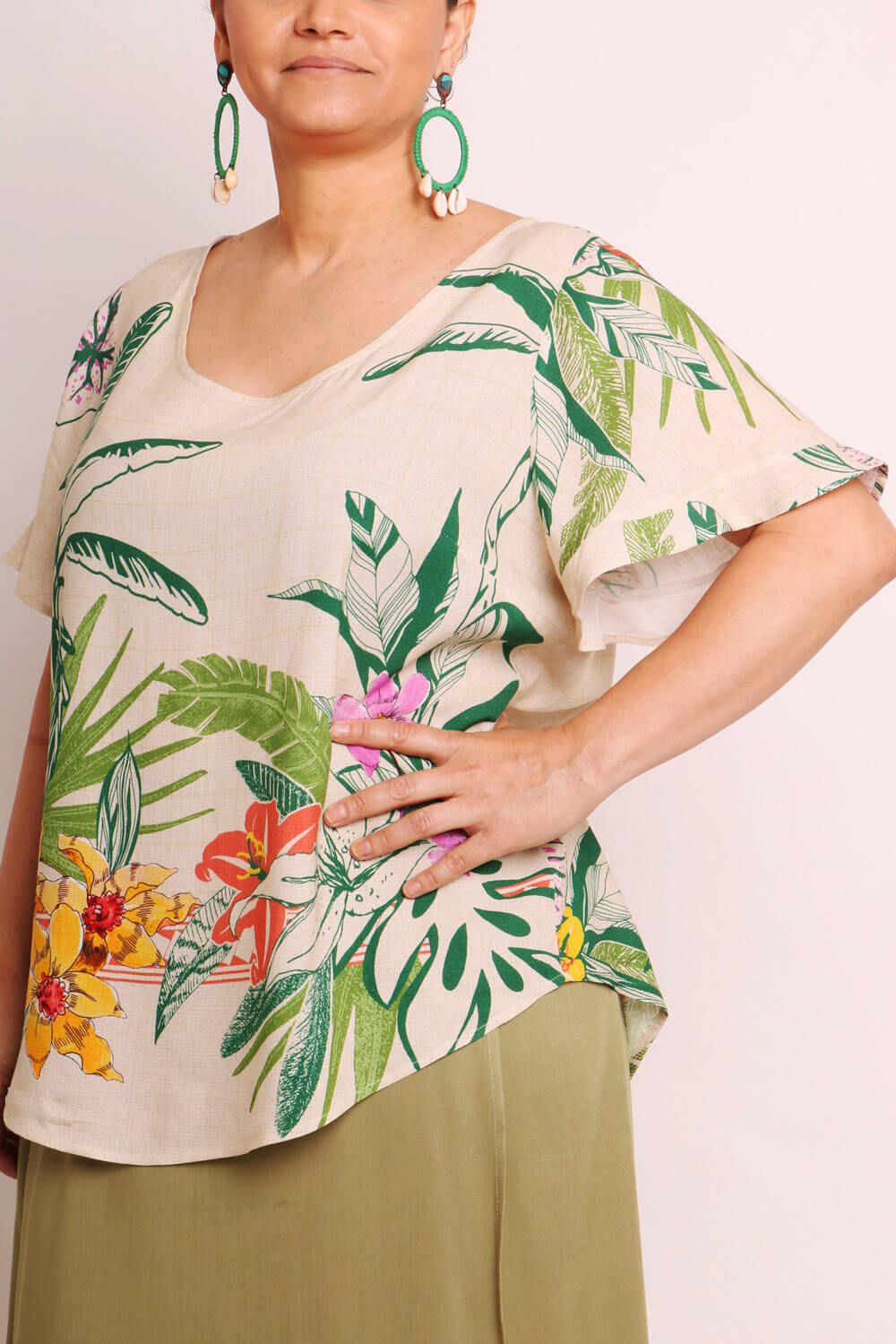 BLUSA PLUS SIZE ESTAMPADA RESPIRO OFF WHITE