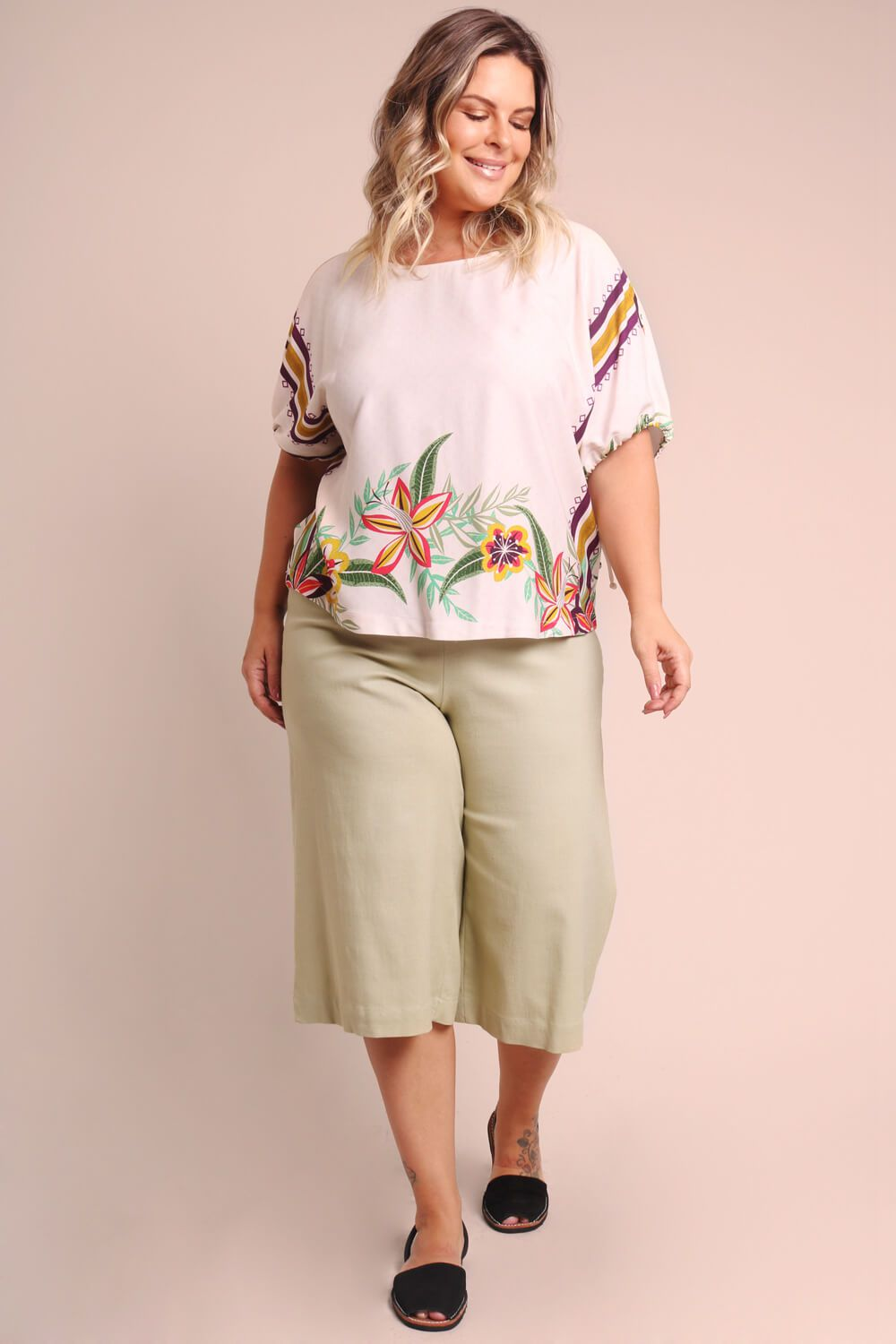 BLUSA PLUS SIZE ESTAMPADA TUCANEAR OFF WHITE
