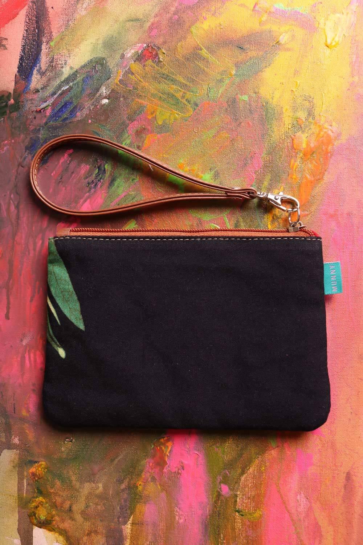 Bolsa de mão com Alça Estampada Listrada preta