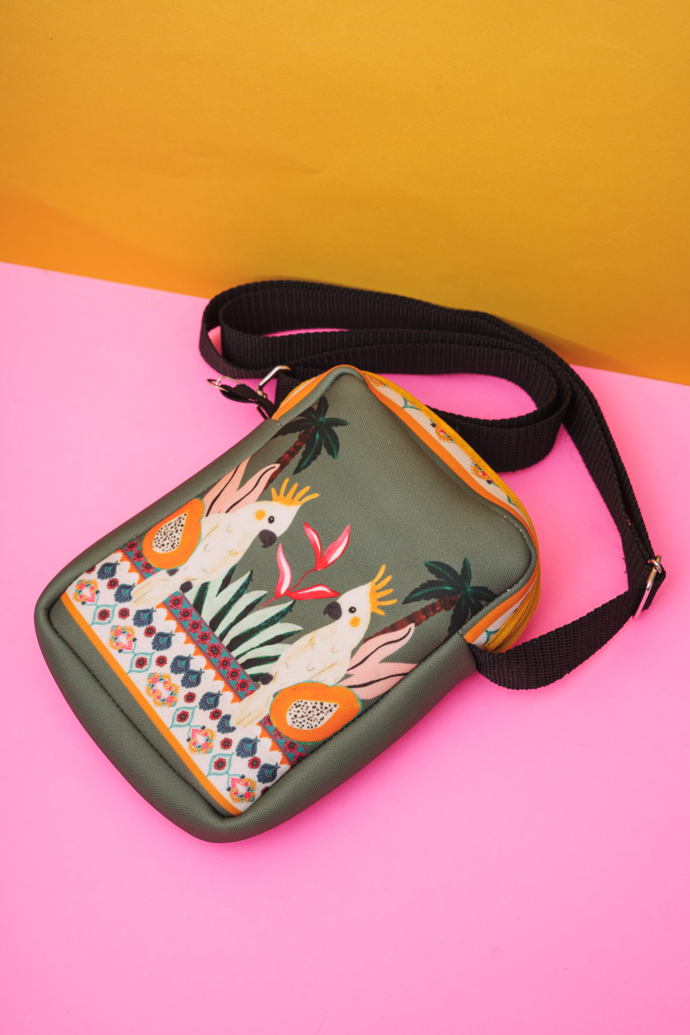 BOLSA ESTAMPADA SHOULDER BAG CACATUA POÁ VERDE