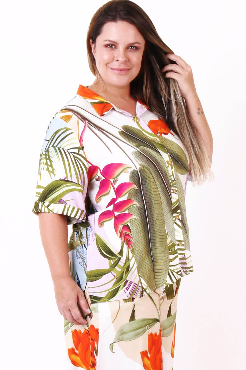 CAMISA PLUS SIZE ESTAMPADA ENERGIA OFF WHITE