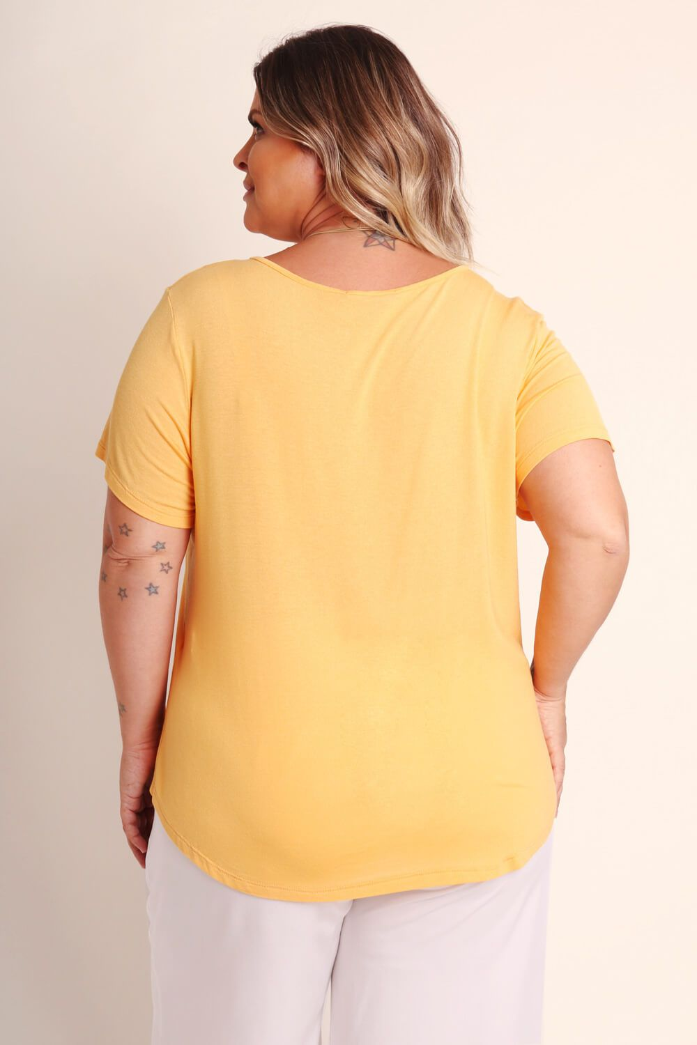 CAMISETA KIT PLUS SIZE AMARELA