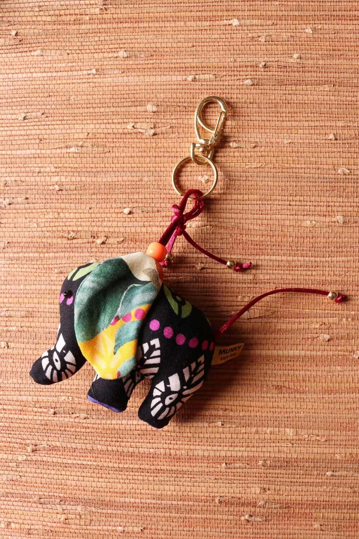 Chaveiro Elefantinho Multicolorido Preto