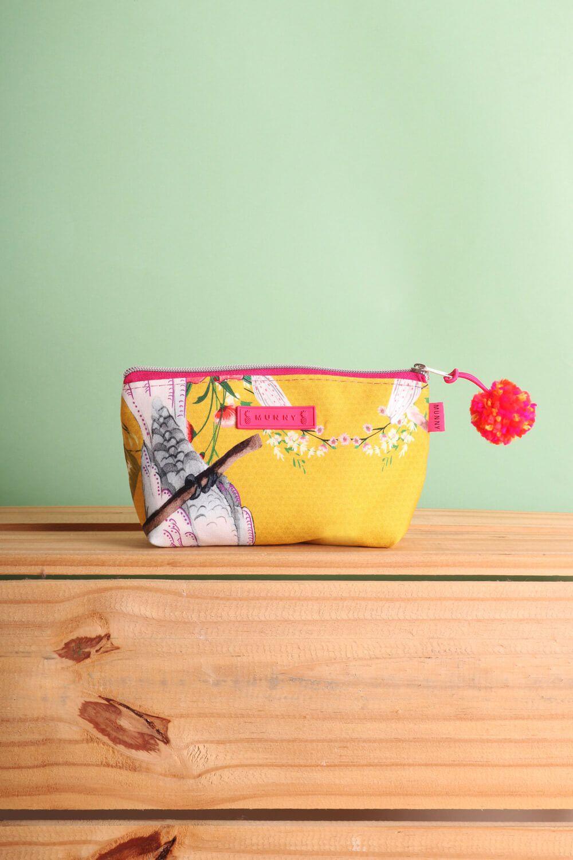 Necessaire Estampada Floral Cacatua Amarela