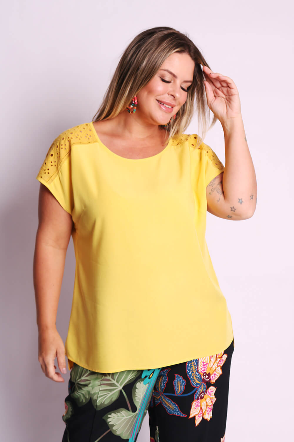 REGATA LISA  PLUS SIZE MIX LAISE AMARELA