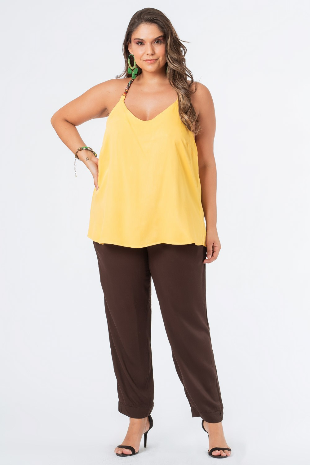 REGATA LISA PLUS SIZE ALÇA AVIAMENTO AMARELO