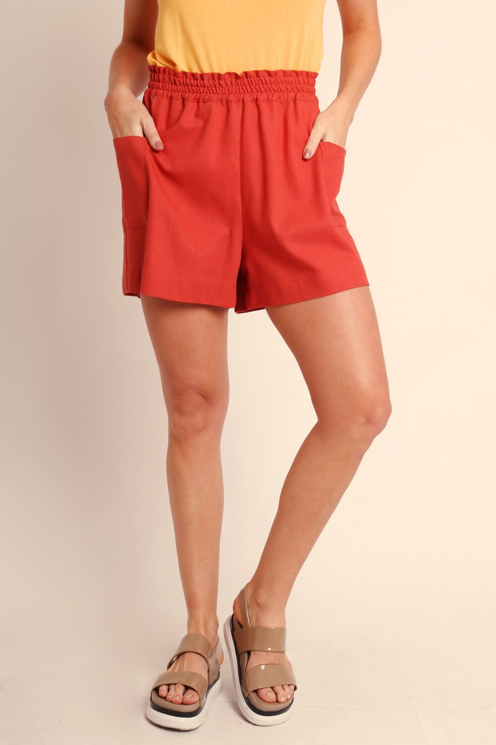 SHORTS LISO TERRACOTA