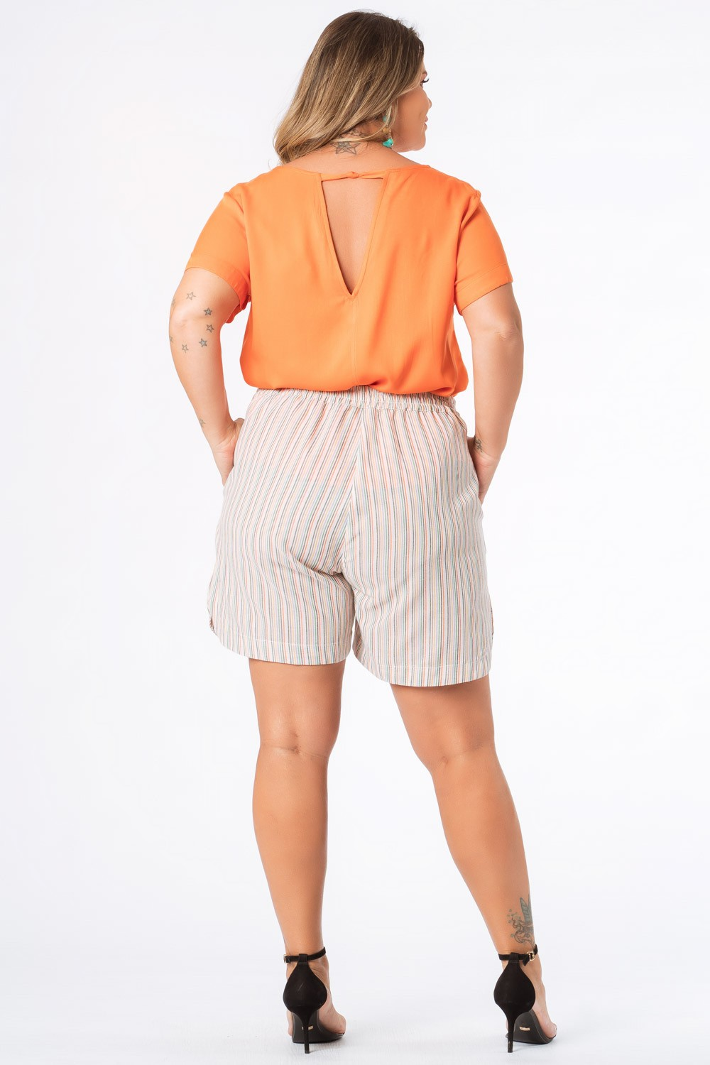 SHORTS LISTRADO PLUS SIZE