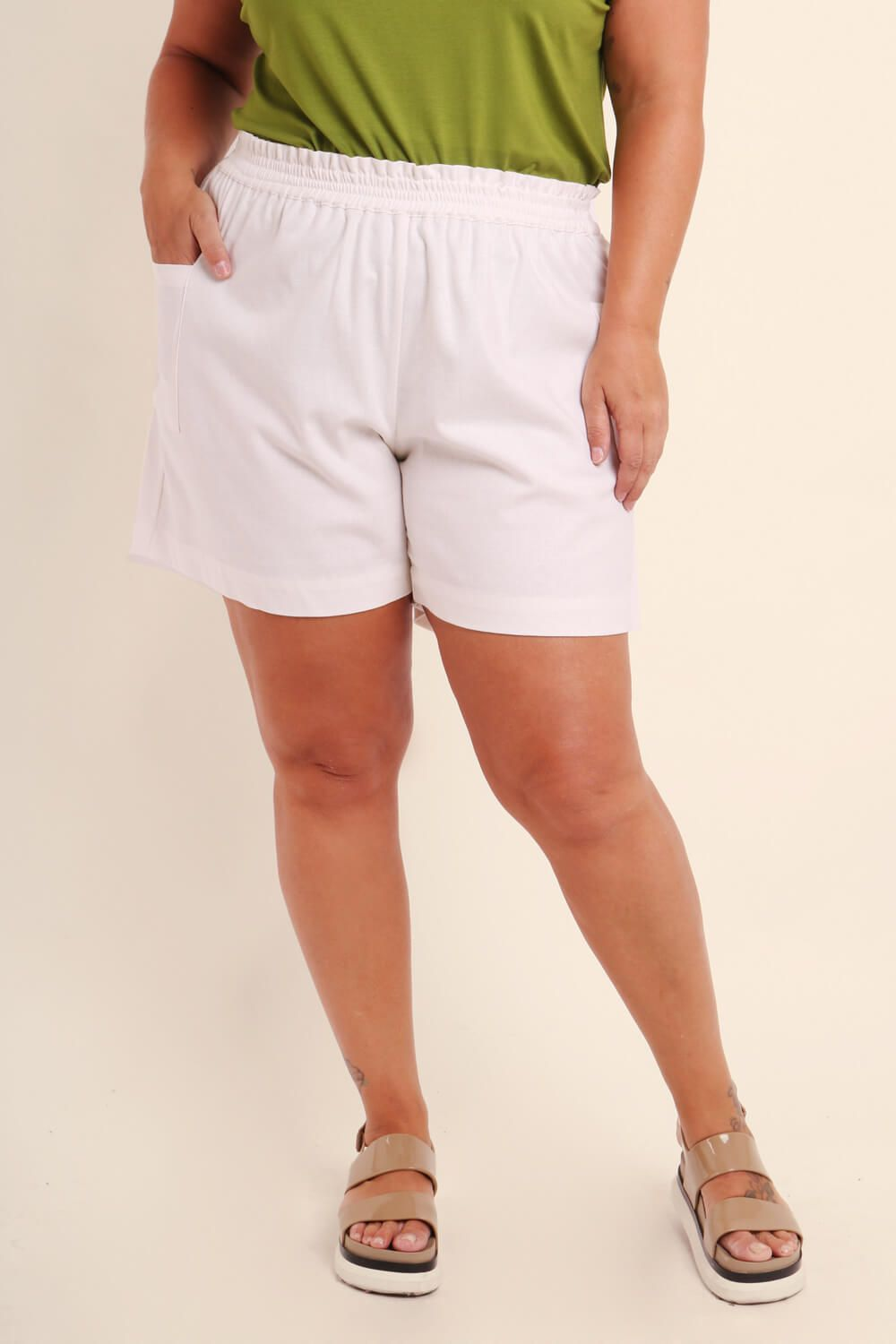 SHORTS PLUS SIZE LISO OFF WHITE