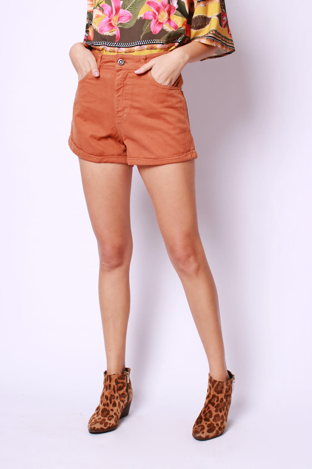 SHORTS SARJA LISO TERRACOTA