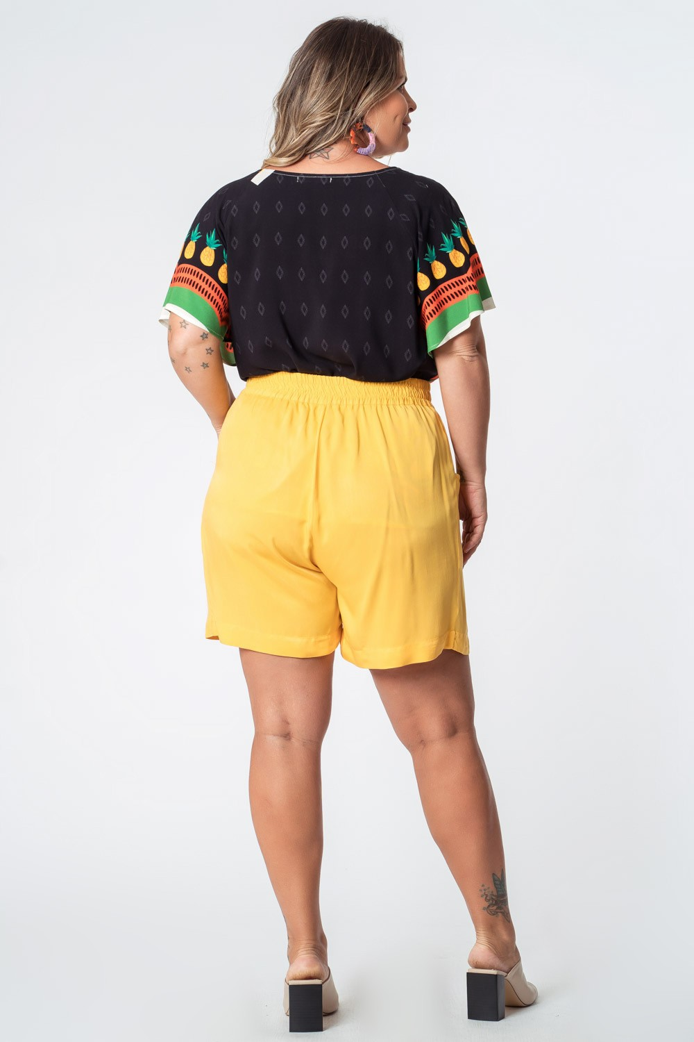 SHORTS LISO TWILL RAYON PLUS SIZE AMARELO