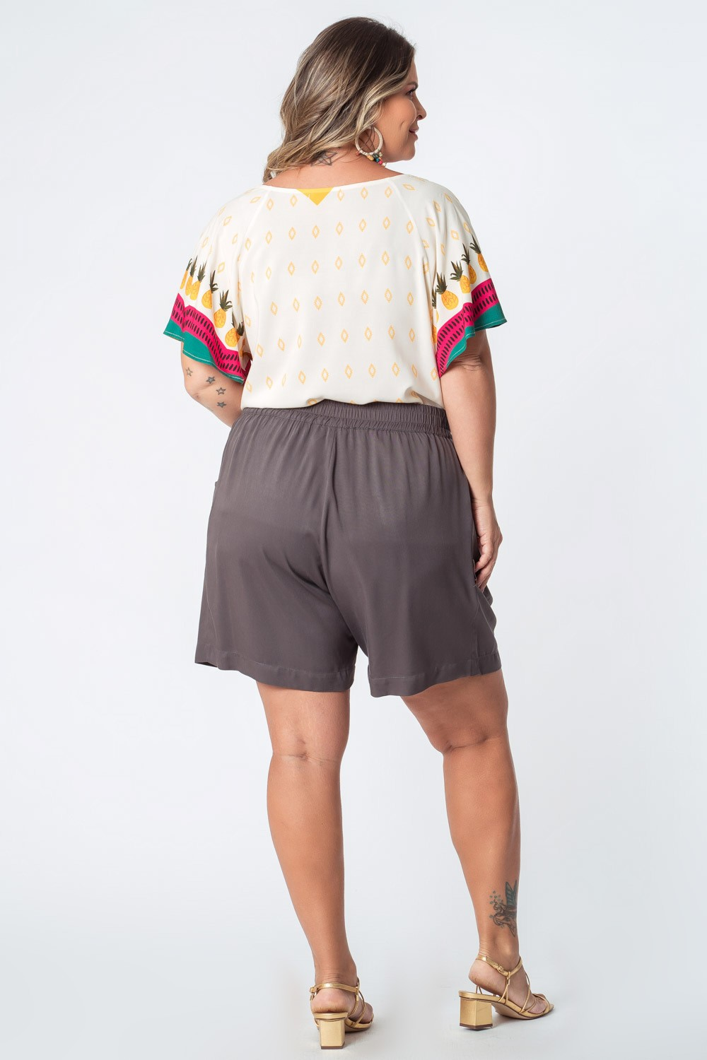 SHORTS LISO TWILL RAYON PLUS SIZE CINZA