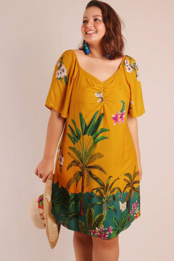 VESTIDO PLUS SIZE ESTAMPADO FLORESTA TROPICAL AMARELO