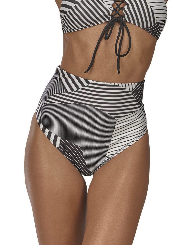 Calça de Praia Hot Pants Geométrica DeMillus 12140