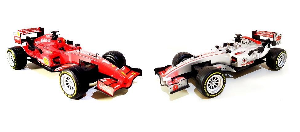 Carrinho de Formula 1 de Controle Remoto Interativo com Luz e Som do Motor Recarregável