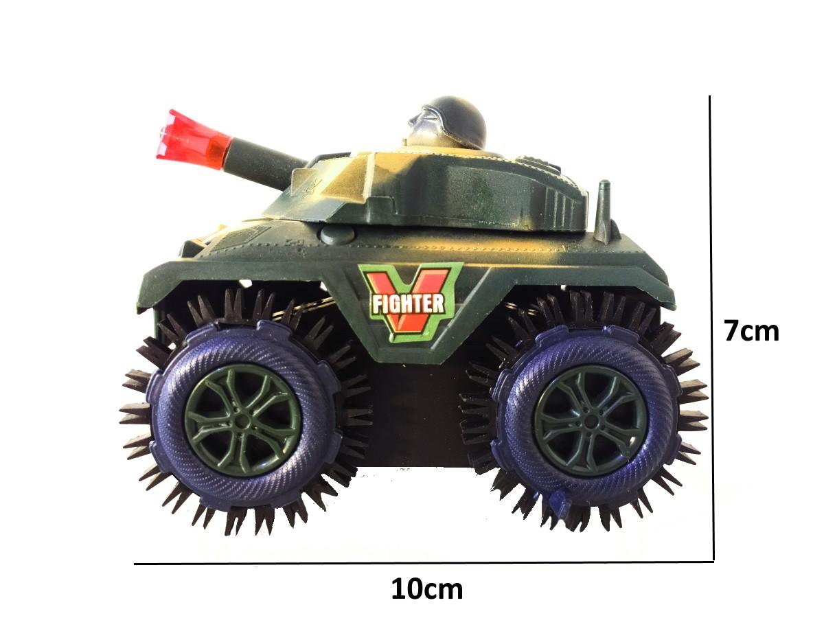 Kit 4 Bonecos Soldadinhos e Tanque Maluco 360 a Pilha